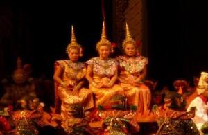 Bangkok kent een groot aanbod aan voorstellingen waarin Thaise muziek en dans centraal staat.