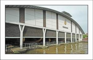 Het Royal Barge Museum ligt aan het begin van de Bangkok Noi Khlong.