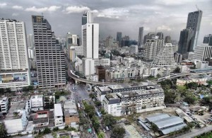In Silom vind je veel moderne kantoorgebouwen.