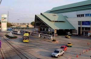 Vanaf de Southern Bus Terminal in Bangkok vertrekken de bussen naar Hua Hin en Cha-am.