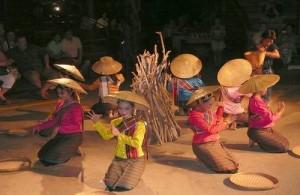 De Noord Thaise cultuur komt tot leven in het Old Chiang Mai Cultural Center.