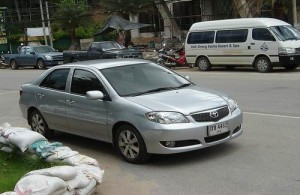 Een huurauto is handig om de omgeving van Chiang Mai te verkennen.