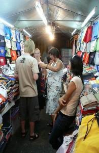 Op de markten van Hua Hin dien je altijd over de prijs te onderhandelen.