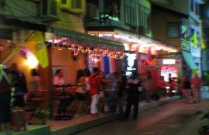 Het nachtleven in Hua Hin is bescheiden.