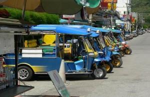 Het locale vervoer in Hua Hin en Cha-am gebeurt veel per tuktuk.