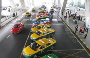 Een transfer in Bangkok maak je het snelst en makkelijkst per taxi.