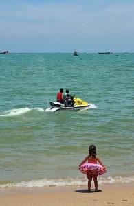 Wil je een jetski huren dan moet je bij Hua Hin Watersport zijn.