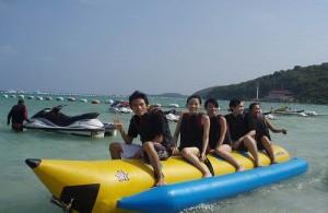 Hou je van watersport? Huur dan een jetski of maak een bananen boottocht.