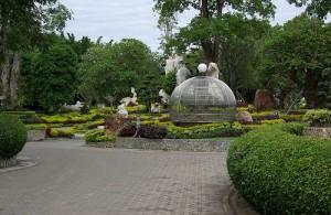 Het Million Years Stone Park bestaat uit gigantische rotstuinen.