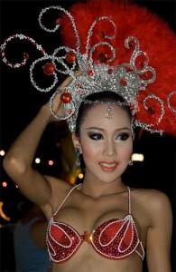 Het cabaret van Tiffany wordt verzorgd door travestieten.