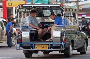 Het vervoer per songtaew is in Pattaya eenvoudig en goedkoop.