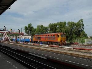 Ga je vanuit Bangkok per trein naar Phuket dan dien je in Surat Thani over te stappen op de bus.