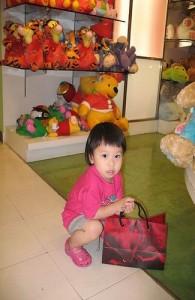 Winkelen op Phuket is gericht op elke leeftijd.