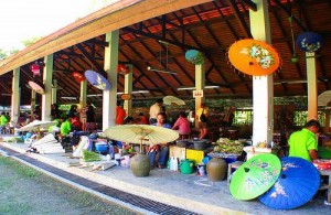 Voor het importeren van Thais handwerk moet je in Borsang (Chiang Mai) zijn.