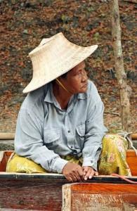 Een drijvende markt hoort bij de Thaise cultuur.