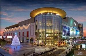 Siam Paragon is een luxe winkelcentrum met een gevarieerd aanbod aan winkels.