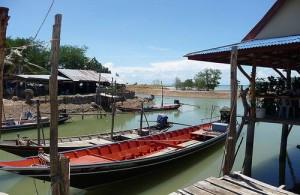 Koh Paluay wordt bewoond door zgn. 'zeezigeuners'.