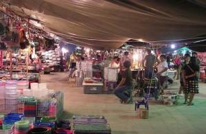 De Chaweng Nightmarket komt 's avonds echt tot leven.