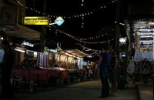 De Lamai Nightmarket vindt dagelijks plaats van 18.00u tot 24.00u.