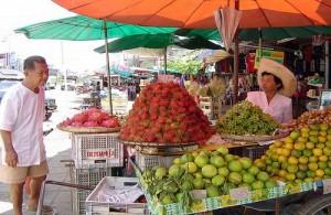 Op de locale markten van Koh Samui is zeer veel te koop.