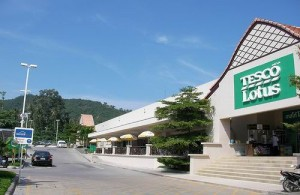 Op Koh Samui vind je hypermarkets van Tesco Lotus, Makro en Big C.