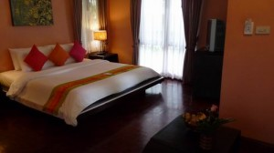 De kamers van het Rummana Boutique Hotel zijn ingericht in Thaise stijl.