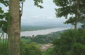 Chiang Saen ligt aan de oever van de machtige Mekong rivier.