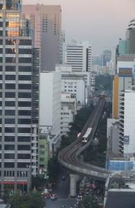 De duurste grond van Thailand ligt in Bangkok aan Silom Road.