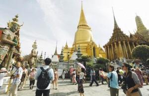 Wat Phra Kaew is een van de toeristische hoogtepunten van Bangkok.