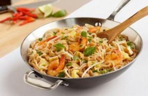 Phat Thai behoort tot een van de meest populaire Thaise noodle gerechten.