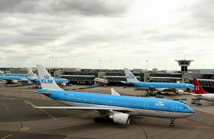 KLM op haar thuisbasis te Amsterdam.